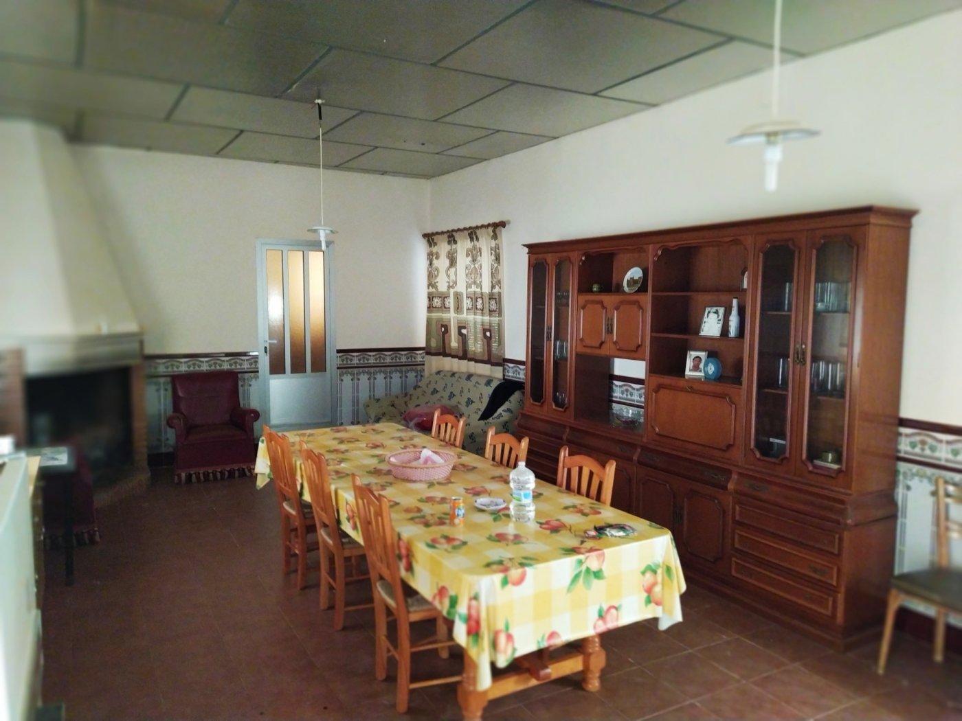 casa-de-pueblo en casas-de-guijarro · cuenca 60000€