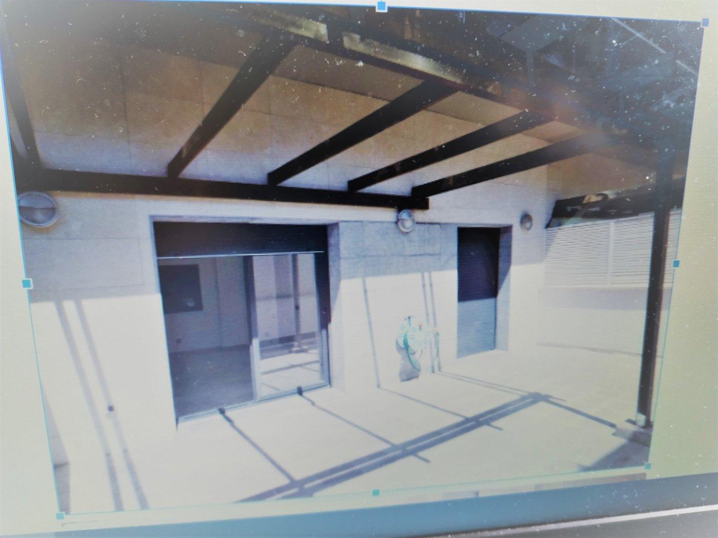 En Manresa cerca Ctra de vic . Piso seminuevo con 1 habitación y terraza.