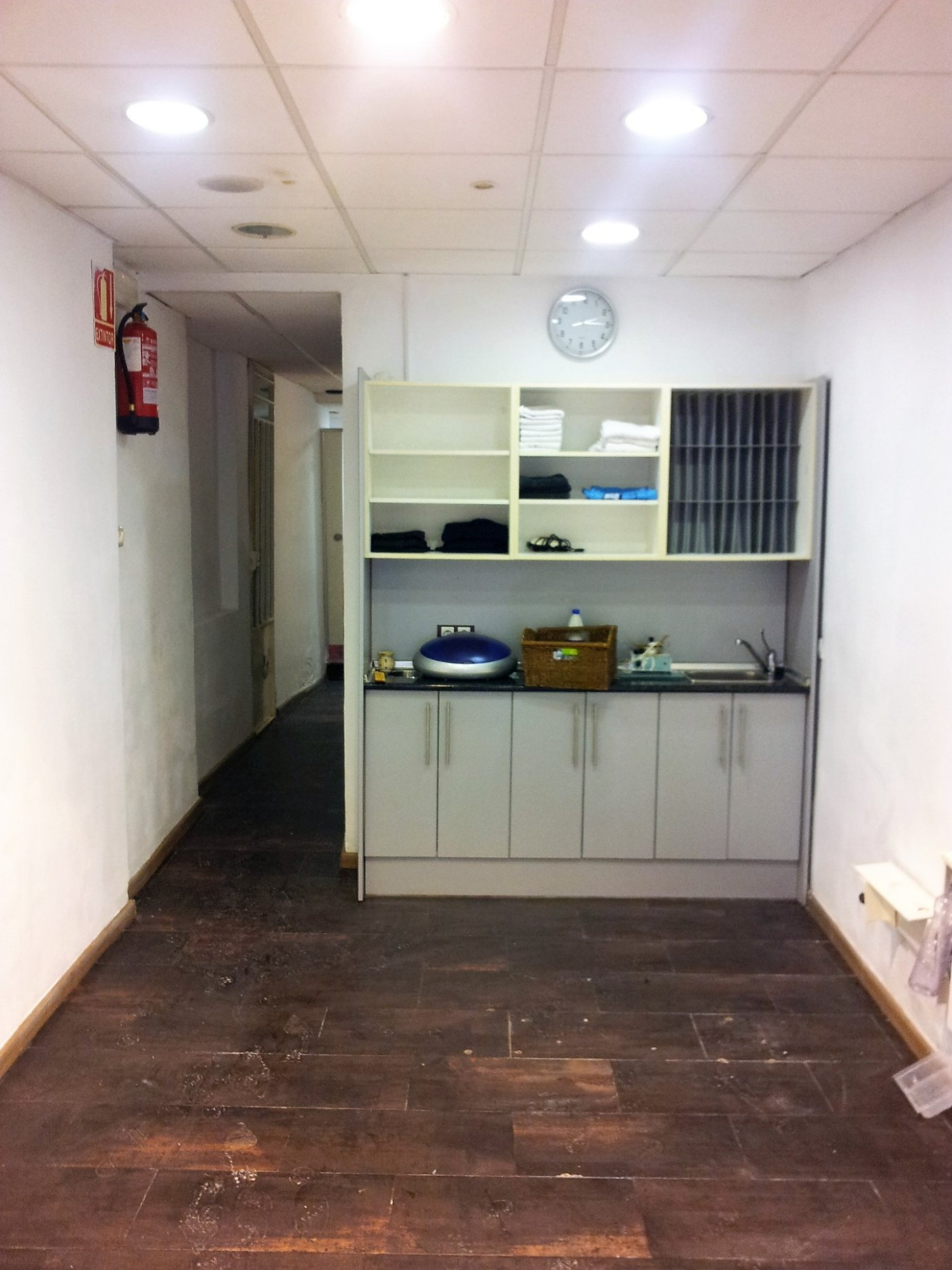 Local para almacén, despacho, oficina, etc. en el casco antiguo.