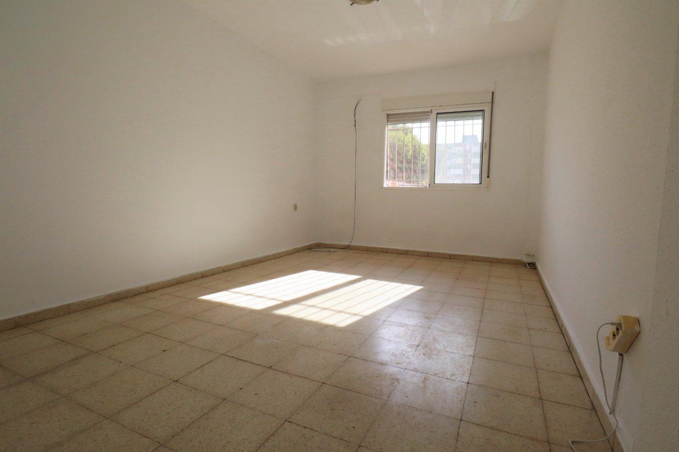 piso en malaga · carlos-de-haya 97000€