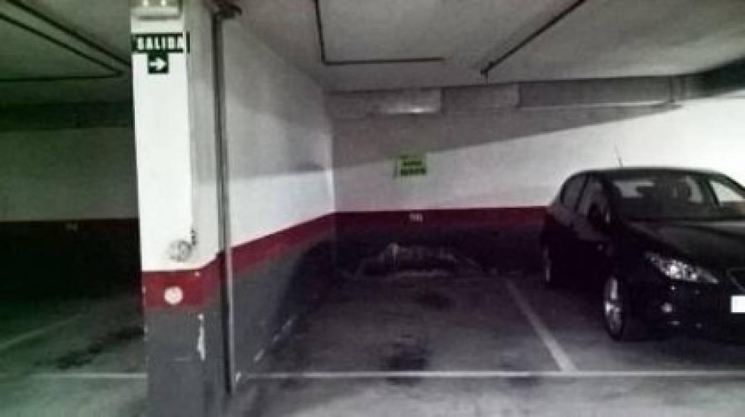 Garaje en alquiler en Ensanche, Pamplona