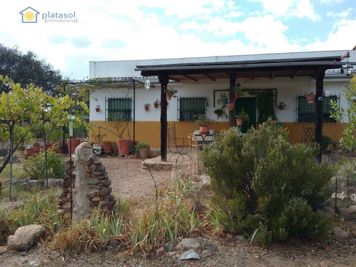 Casa rústica en venta en El Ronquillo