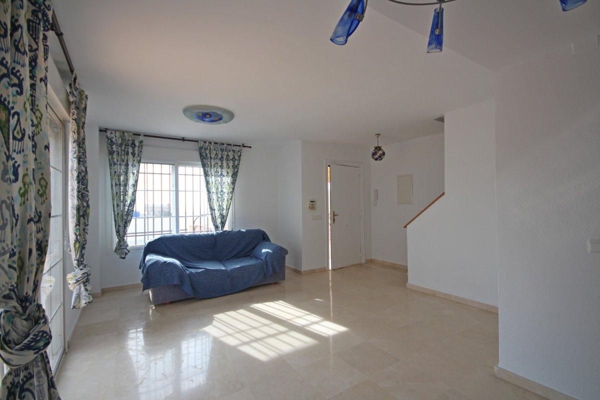 Adosado con gran terraza y amplio sotano - imagenInmueble11