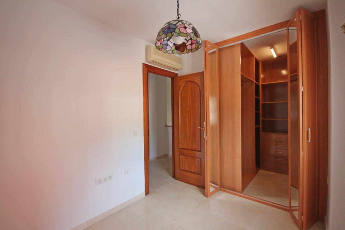 Adosado con gran terraza y amplio sotano - imagenInmueble20