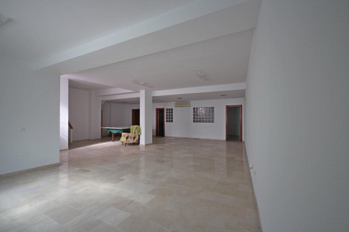 Adosado con gran terraza y amplio sotano - imagenInmueble22