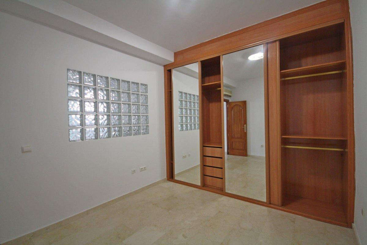 Adosado con gran terraza y amplio sotano - imagenInmueble27