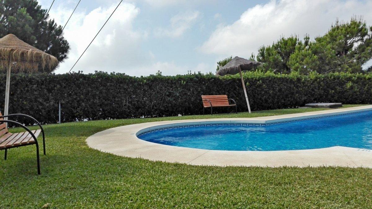 Adosado con gran terraza y amplio sotano - imagenInmueble3