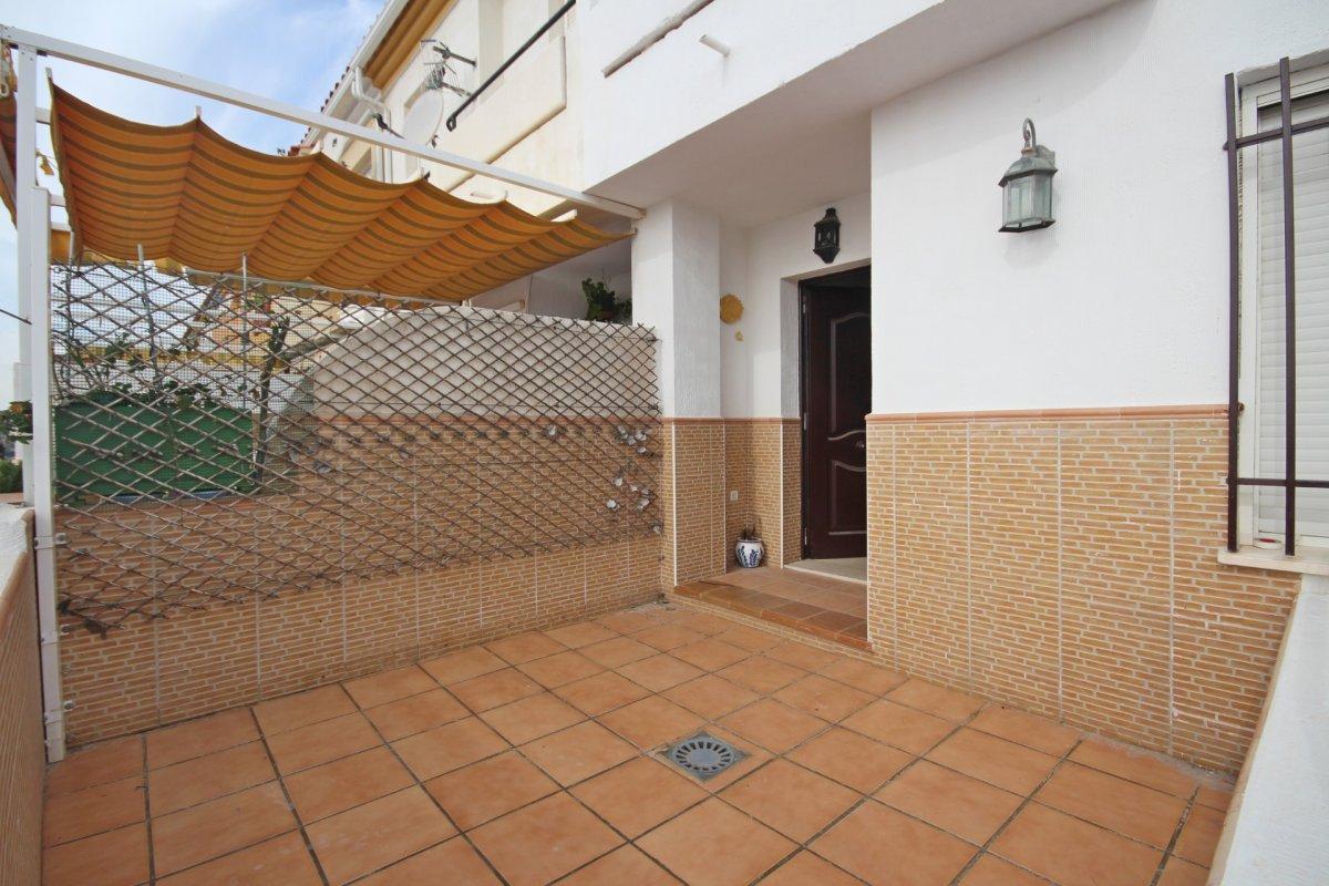 Adosado con gran terraza y amplio sotano - imagenInmueble7