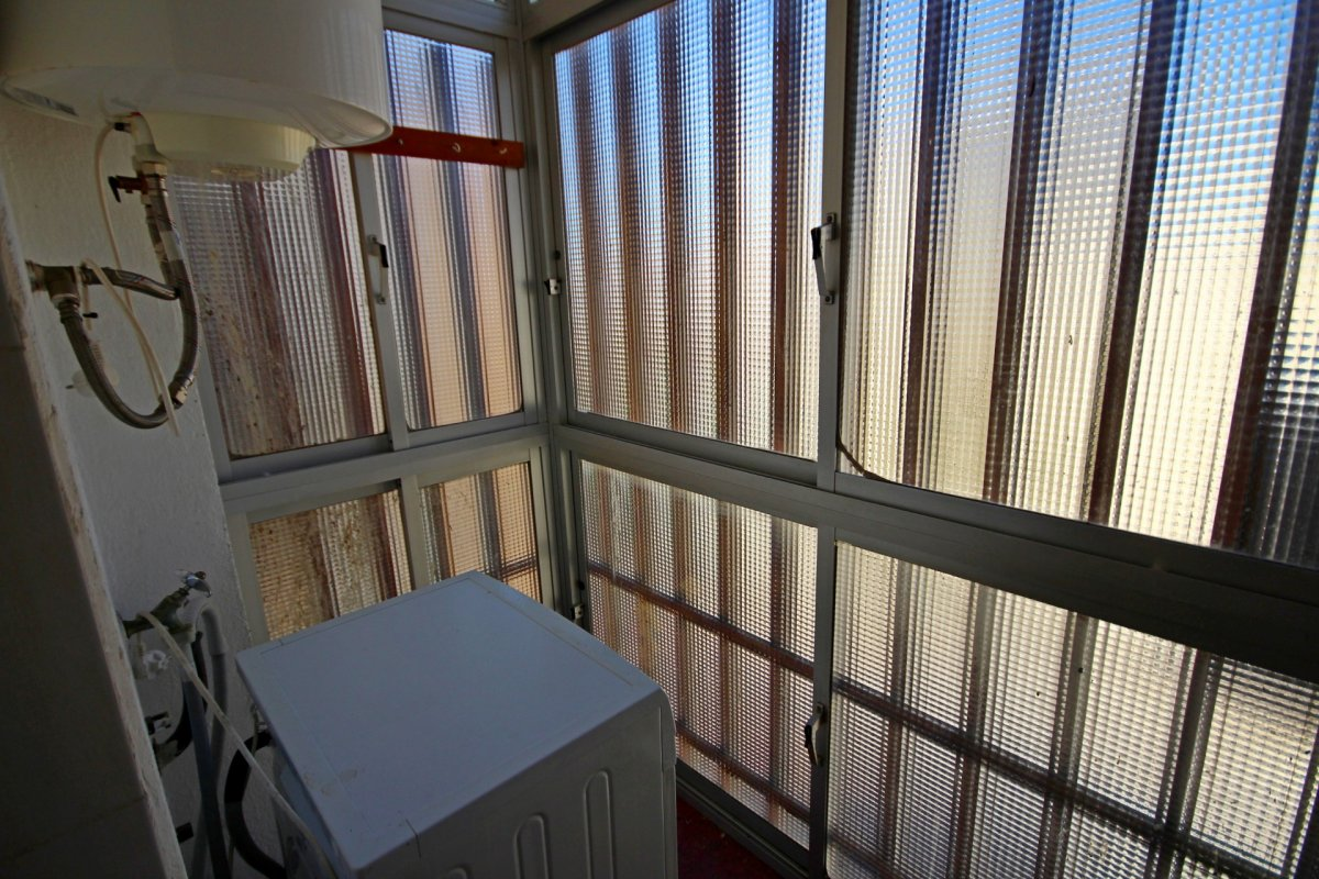Amplio piso de 1 dormitorio con piscina y parking en torremolinos - imagenInmueble12