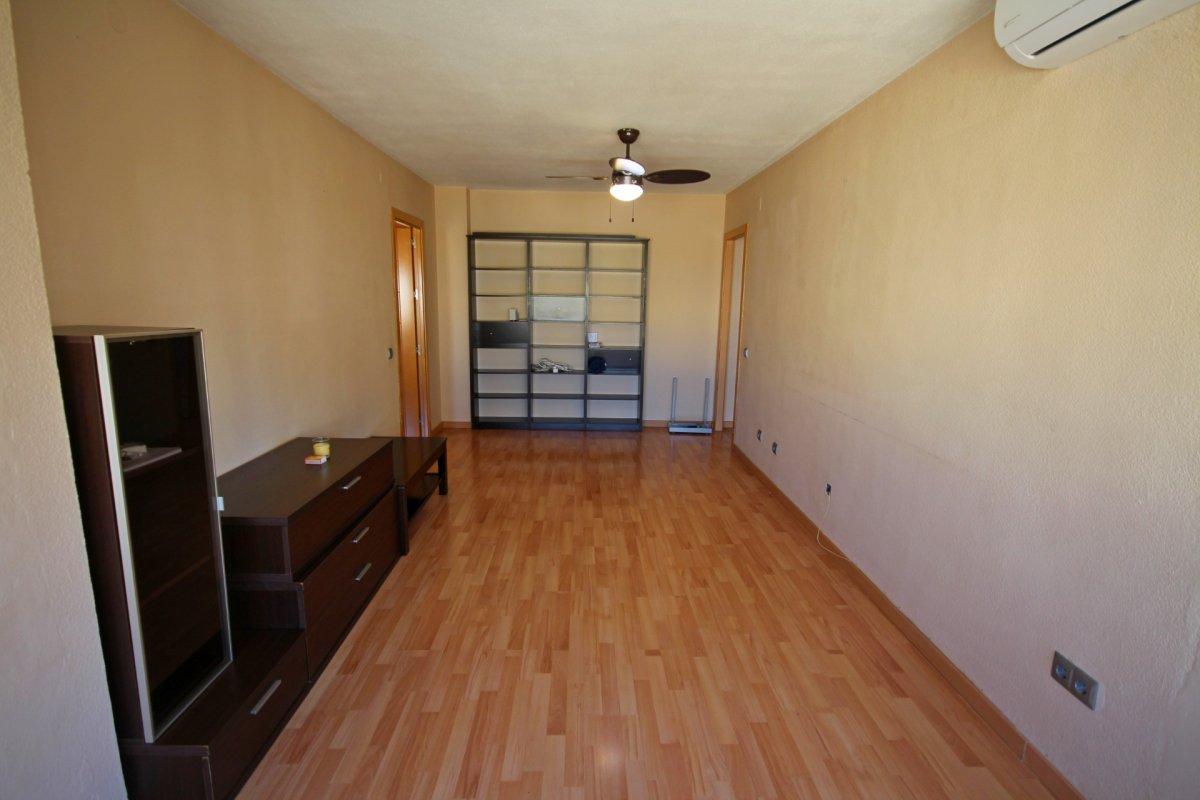 Amplio piso de 1 dormitorio con piscina y parking en torremolinos - imagenInmueble1