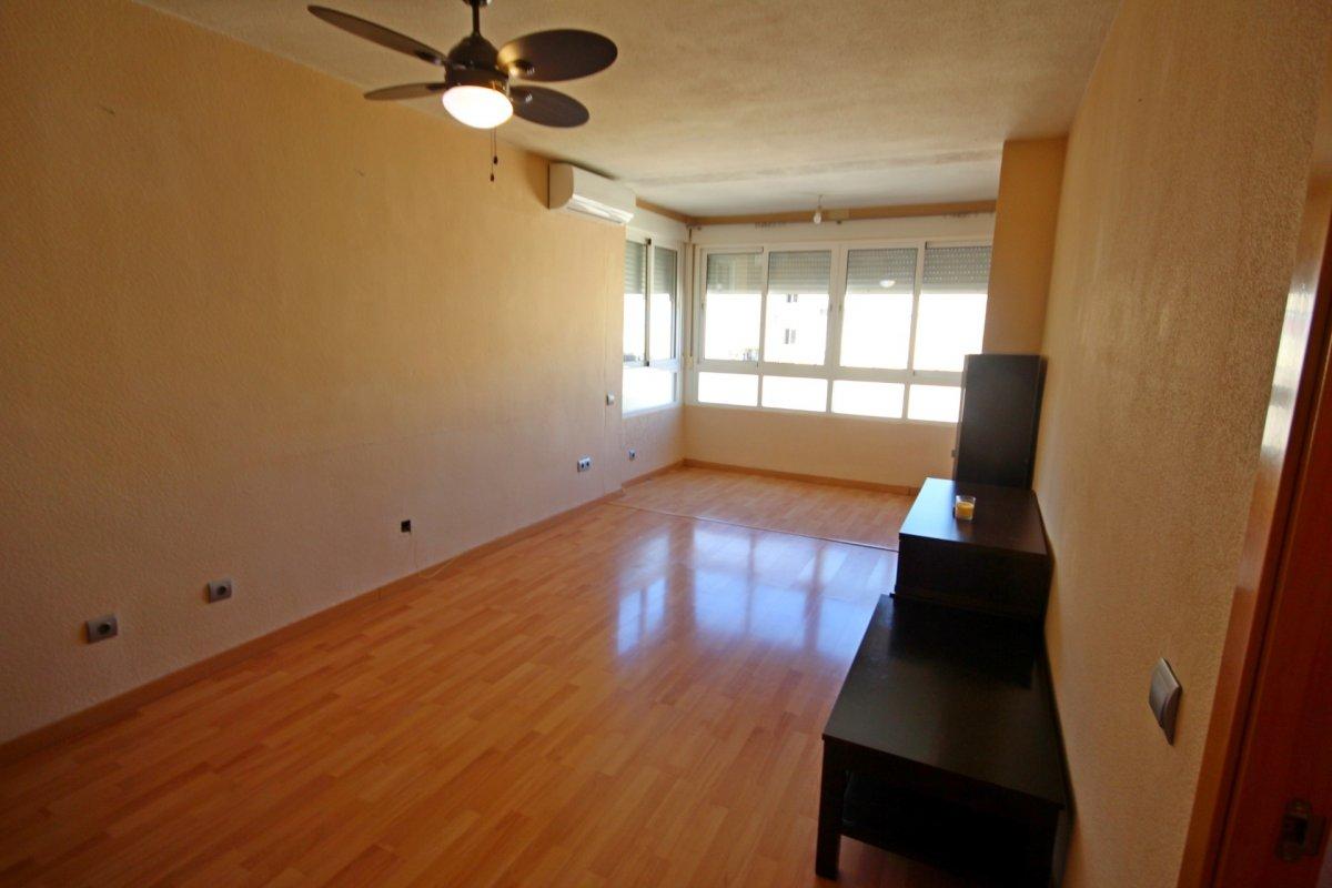 Amplio piso de 1 dormitorio con piscina y parking en torremolinos - imagenInmueble3