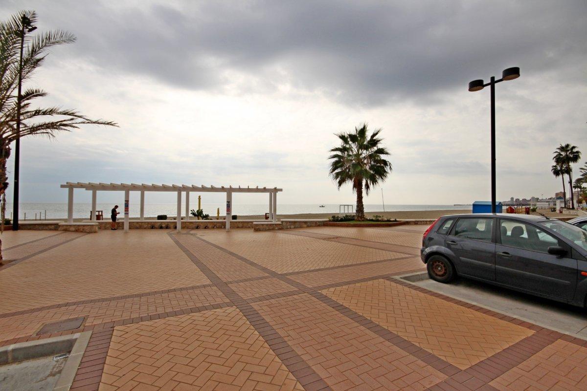 Primera linea de playa en torreblanca - imagenInmueble30