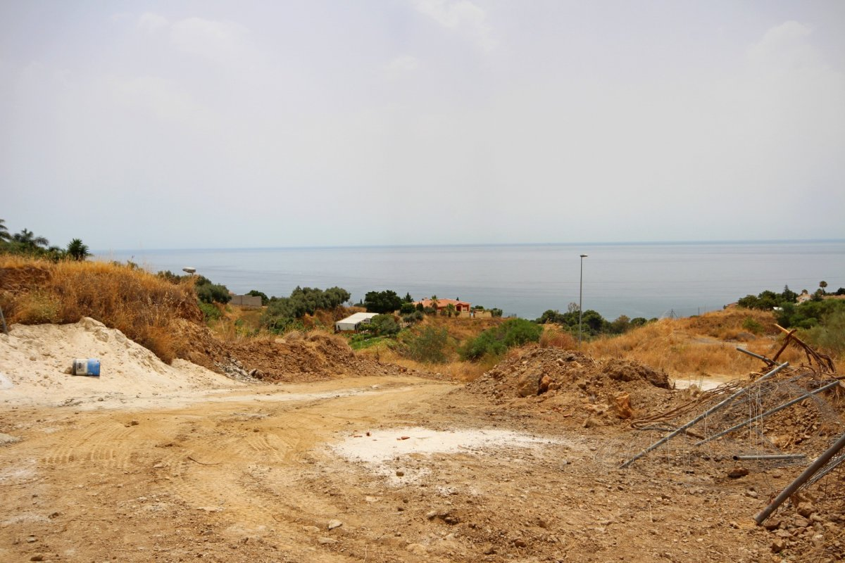 Se vende suelo urbano en la zona de la estupa con vistas  panoramicas al mar. - imagenInmueble8