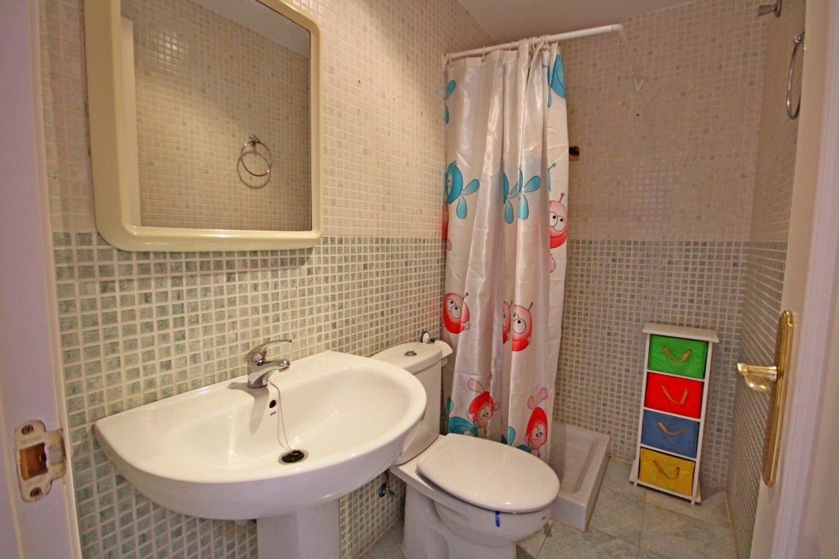Estupendo apartamento en urbanización de montemar - imagenInmueble17