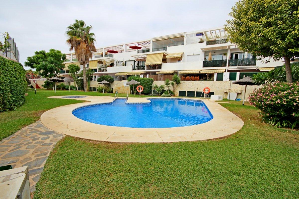 Estupendo apartamento en urbanización de montemar - imagenInmueble21