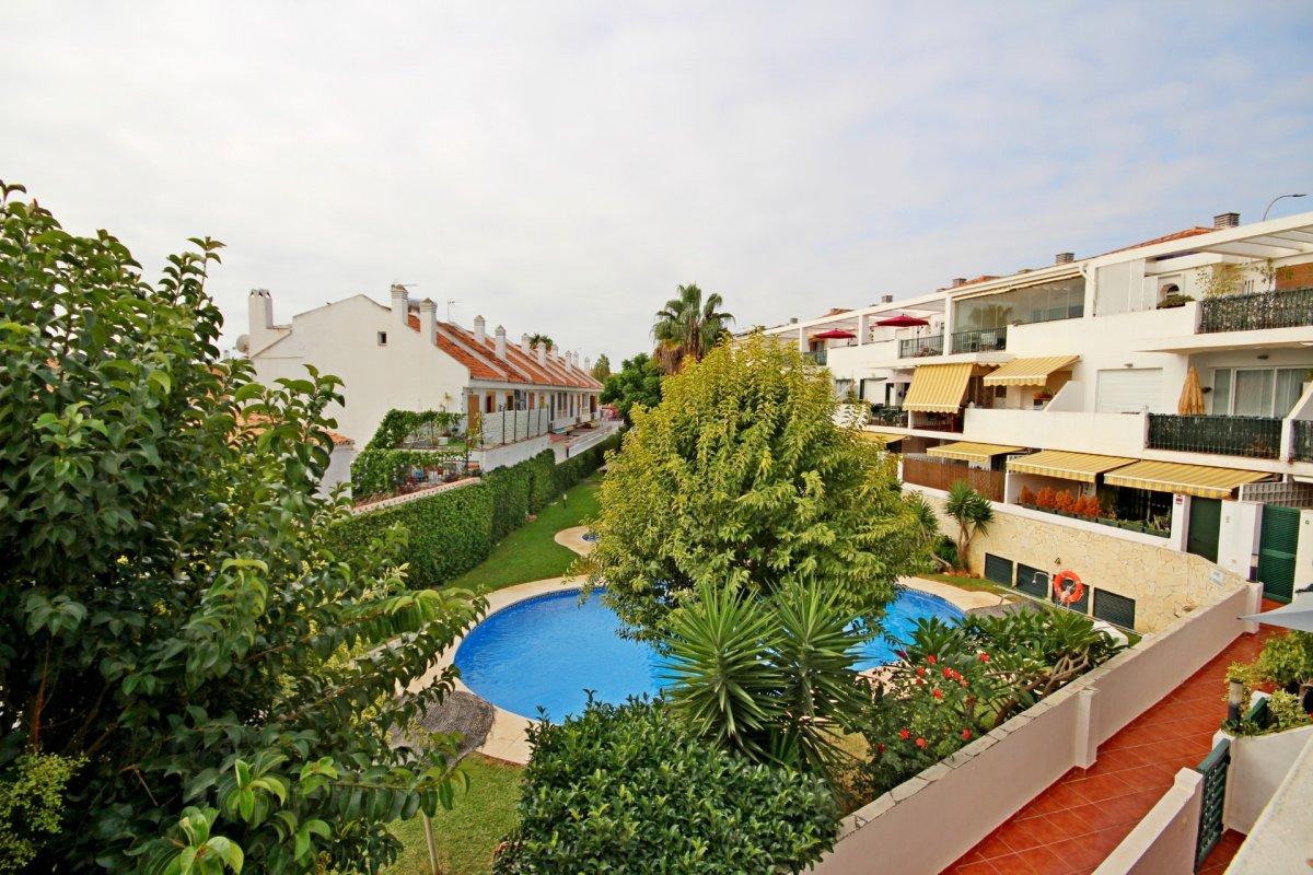 Estupendo apartamento en urbanización de montemar - imagenInmueble22