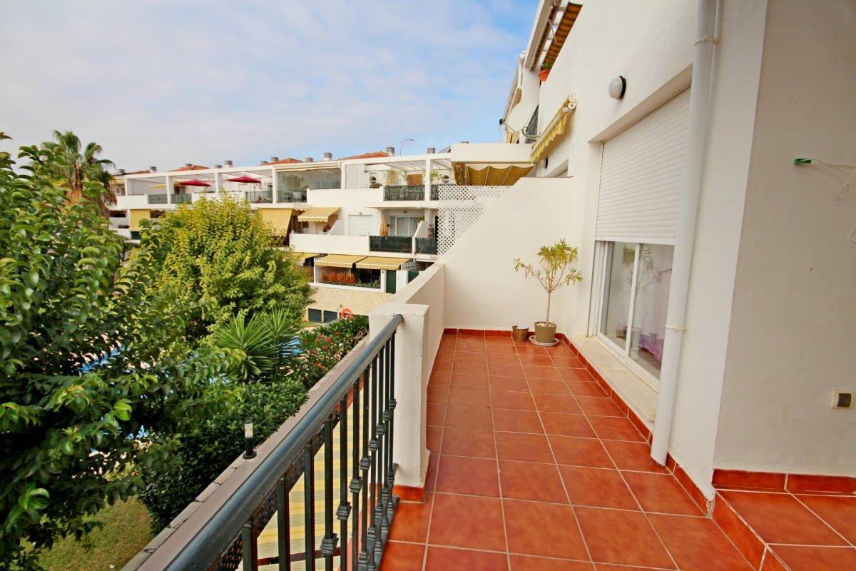 Estupendo apartamento en urbanización de montemar - imagenInmueble3