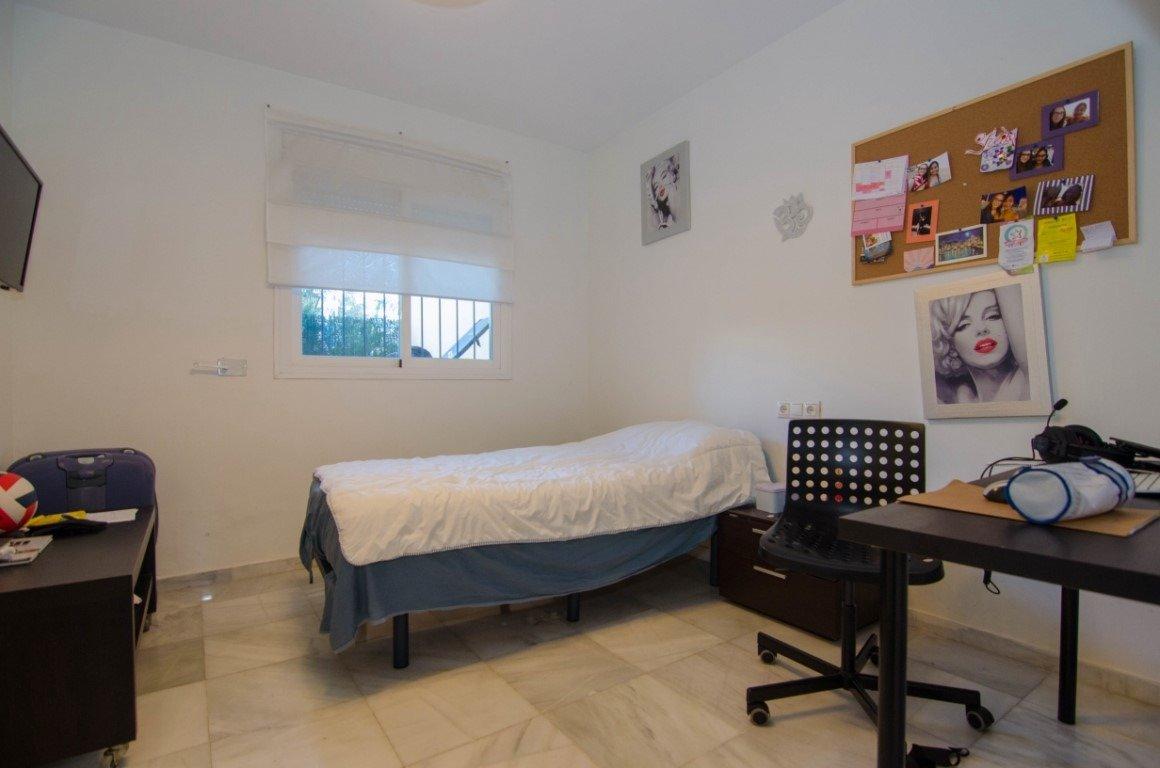 Piso de dos habitaciones en primera linea de playa en benalmádena - imagenInmueble12
