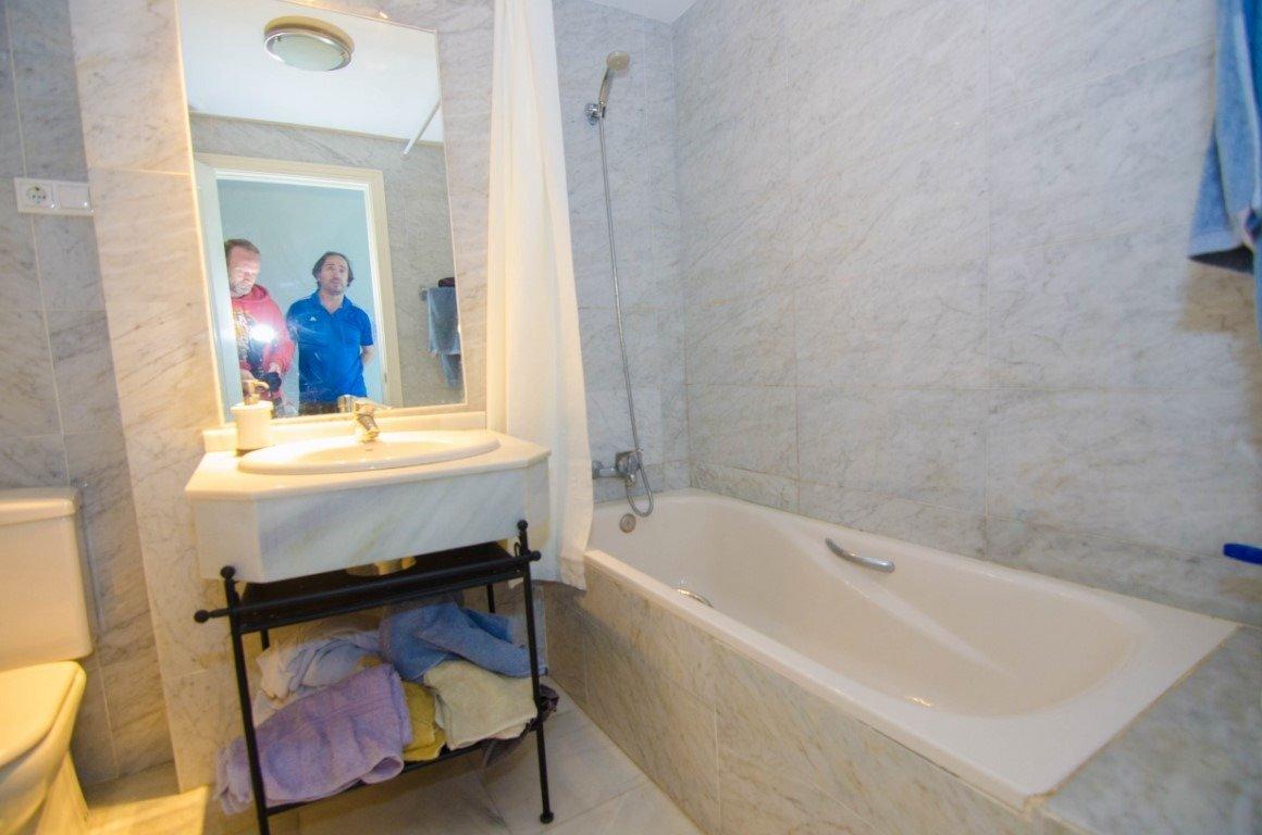 Piso de dos habitaciones en primera linea de playa en benalmádena - imagenInmueble21