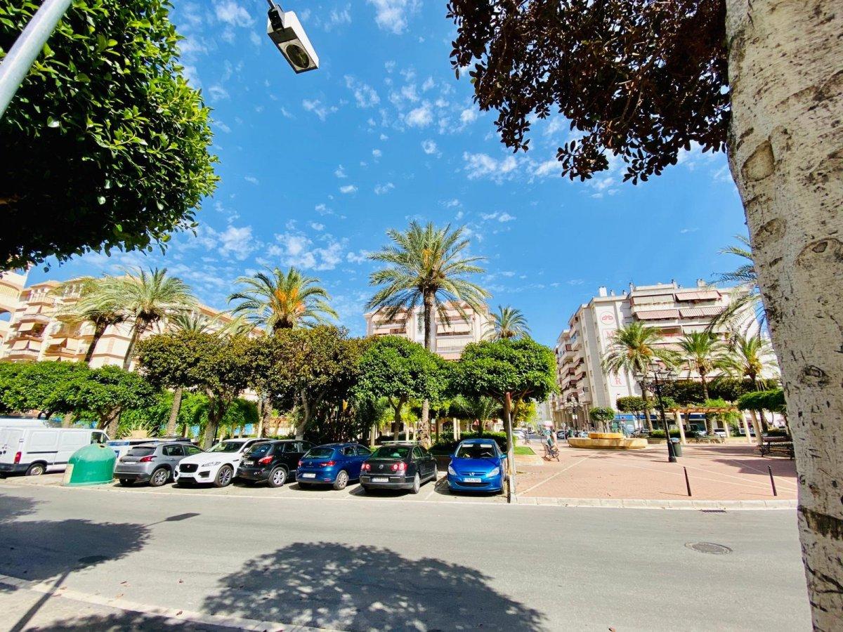 Piso de 3 dormitorios en plaza de la hispanidad  junto al recinto ferial de fuengirola - imagenInmueble0