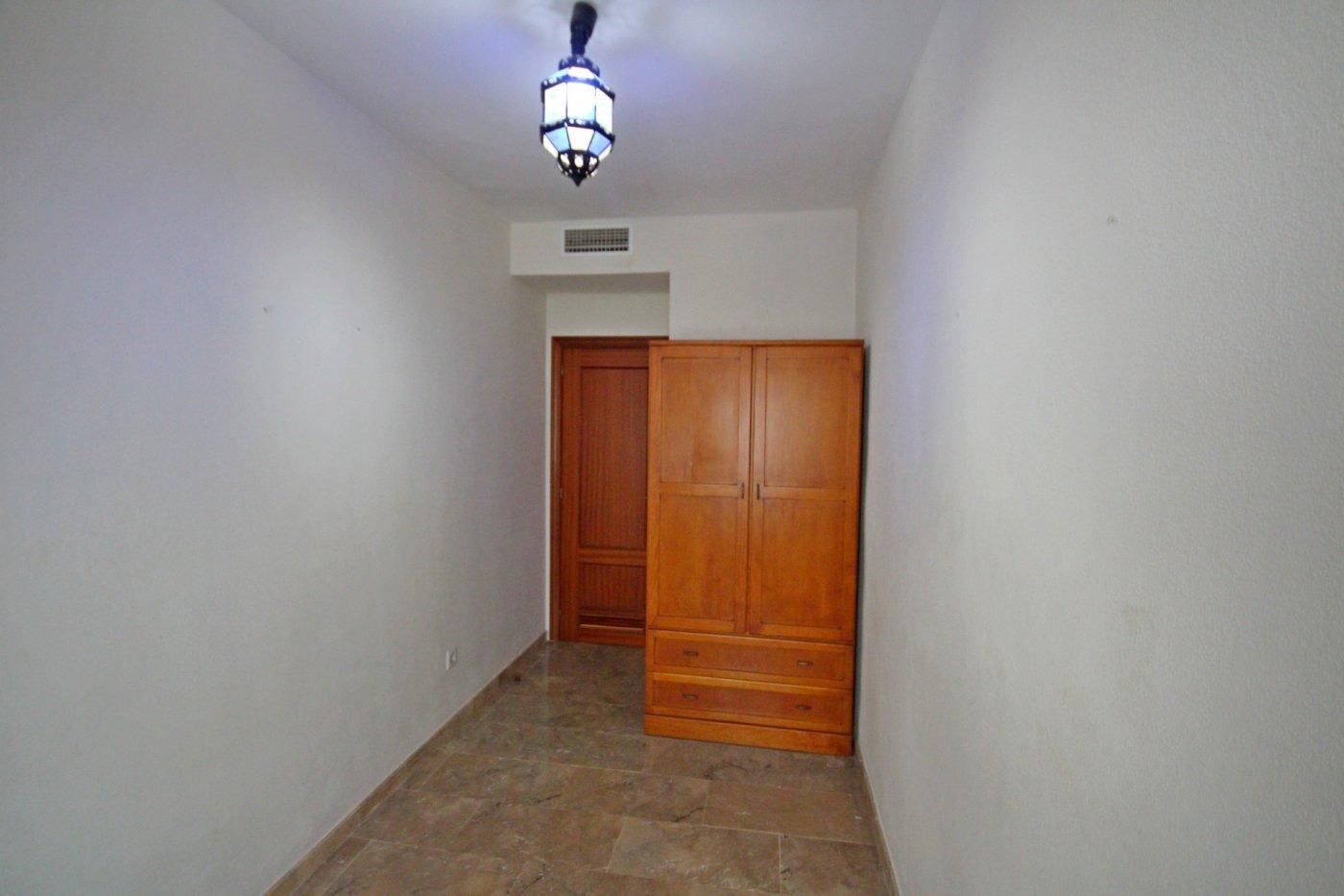 Piso dos dormitorios con garaje a un paso del centro histórico - imagenInmueble10
