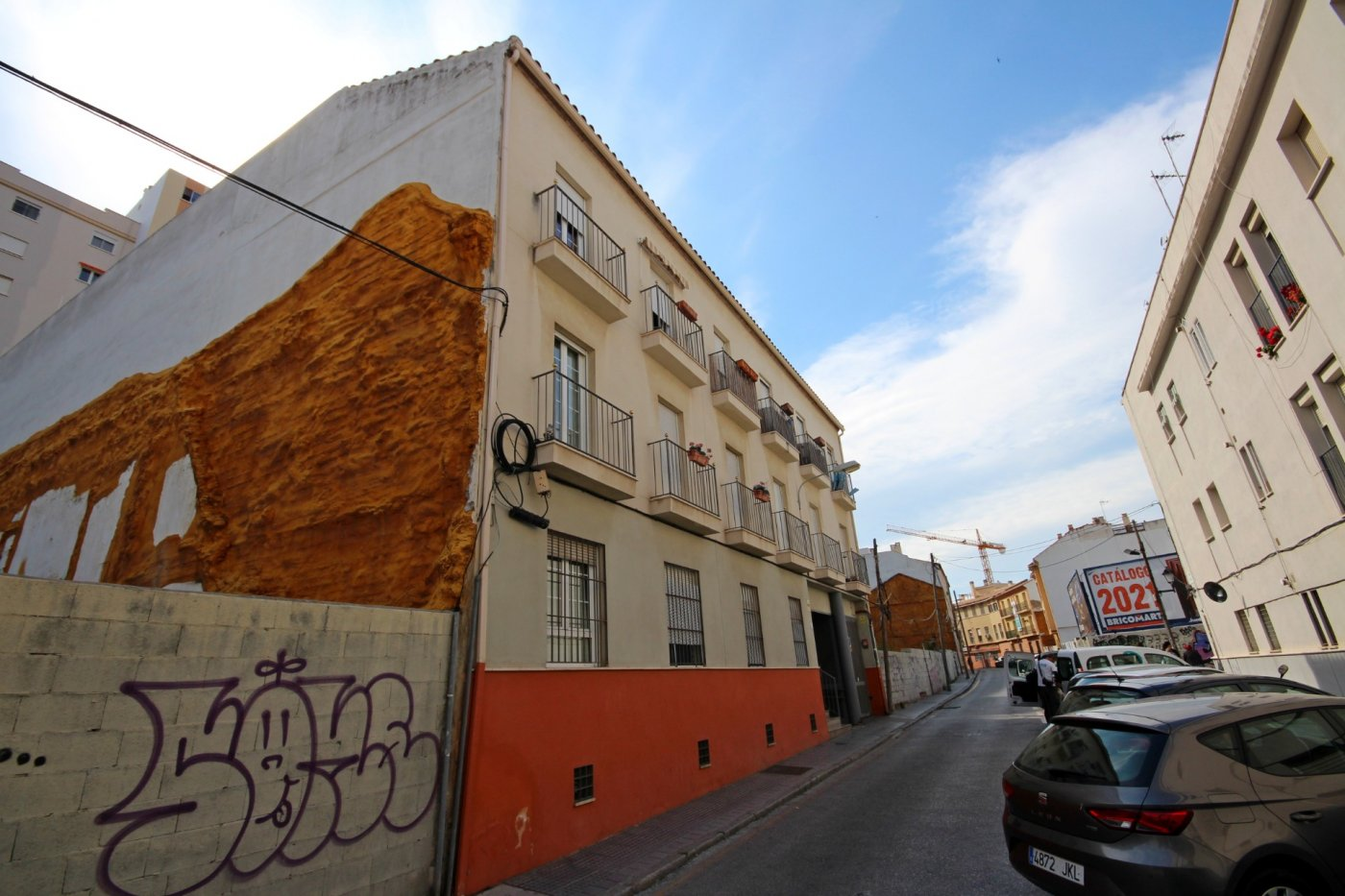 Piso dos dormitorios con garaje a un paso del centro histórico - imagenInmueble1