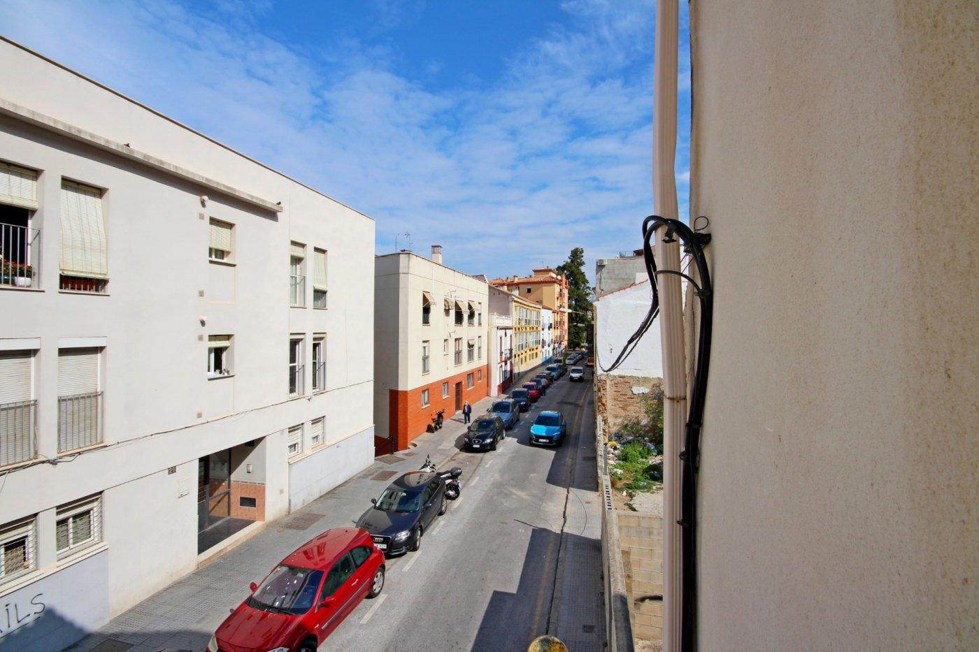 Piso dos dormitorios con garaje a un paso del centro histórico - imagenInmueble3