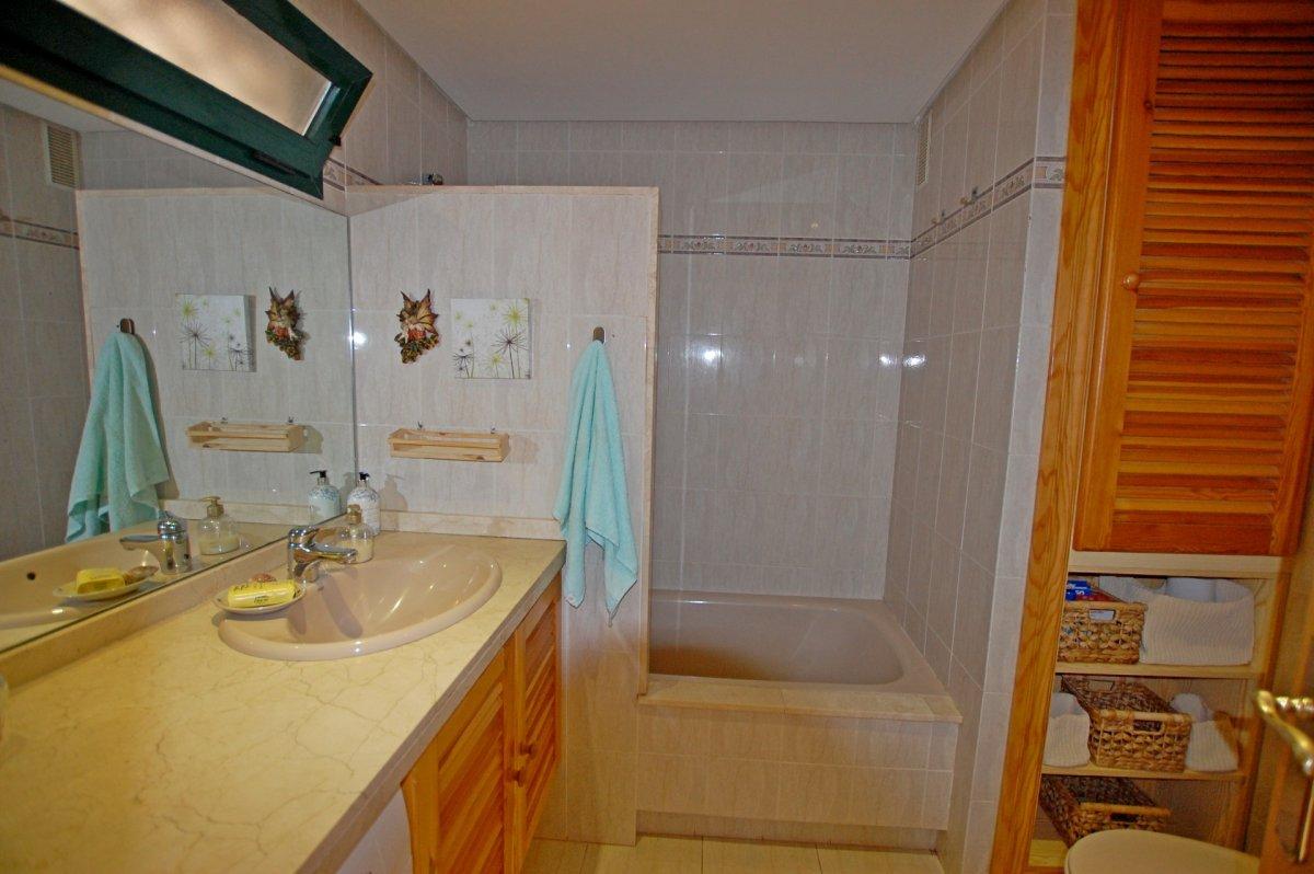 Apartamento con bonitas vistas al mar en torrequebrada - imagenInmueble18