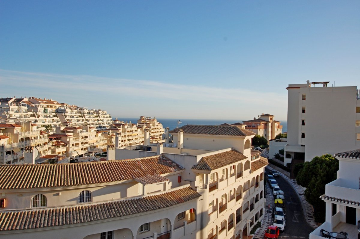 Apartamento con bonitas vistas al mar en torrequebrada - imagenInmueble21