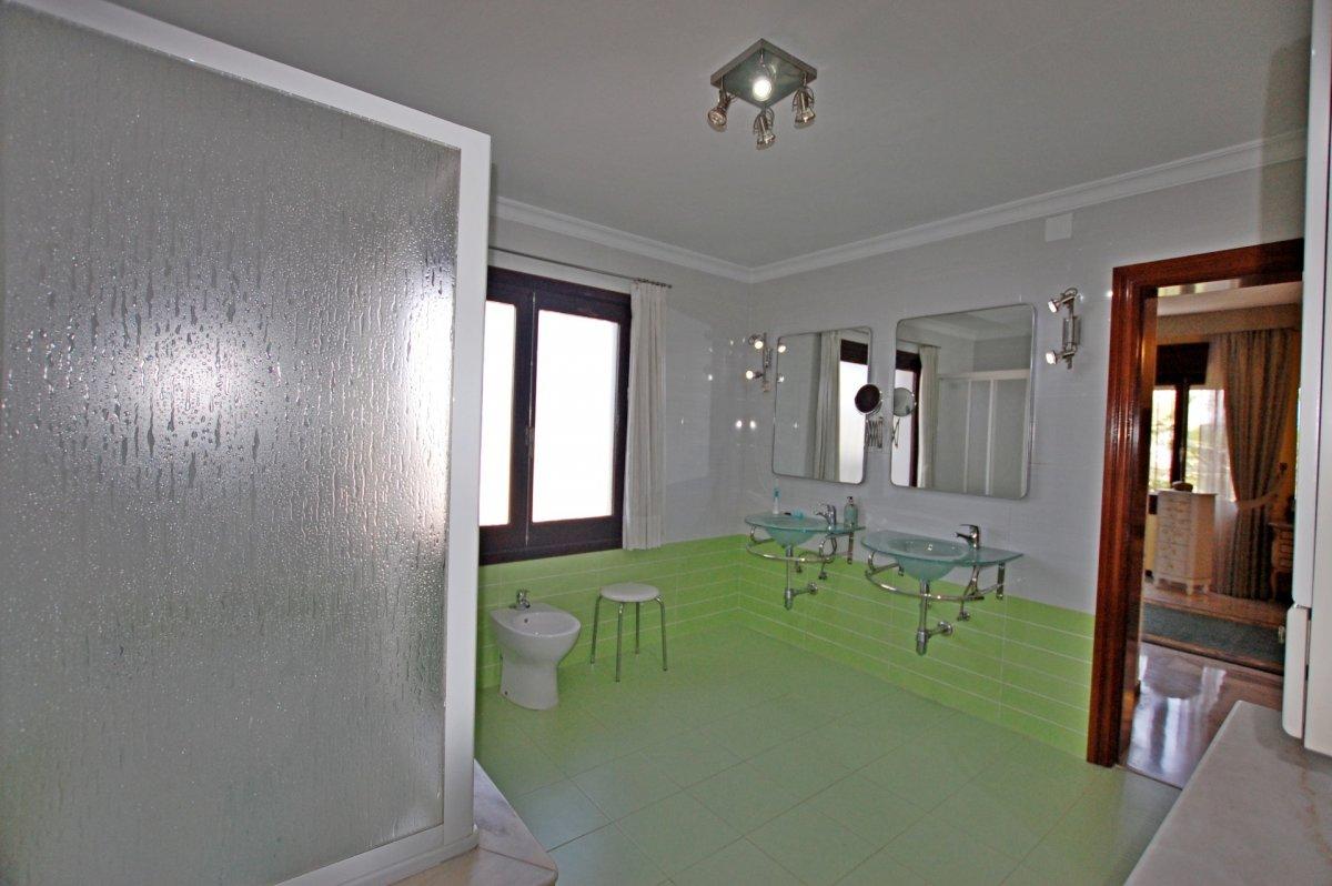 Fabuloso chalet independiente en urbanización cercana a málaga - imagenInmueble29