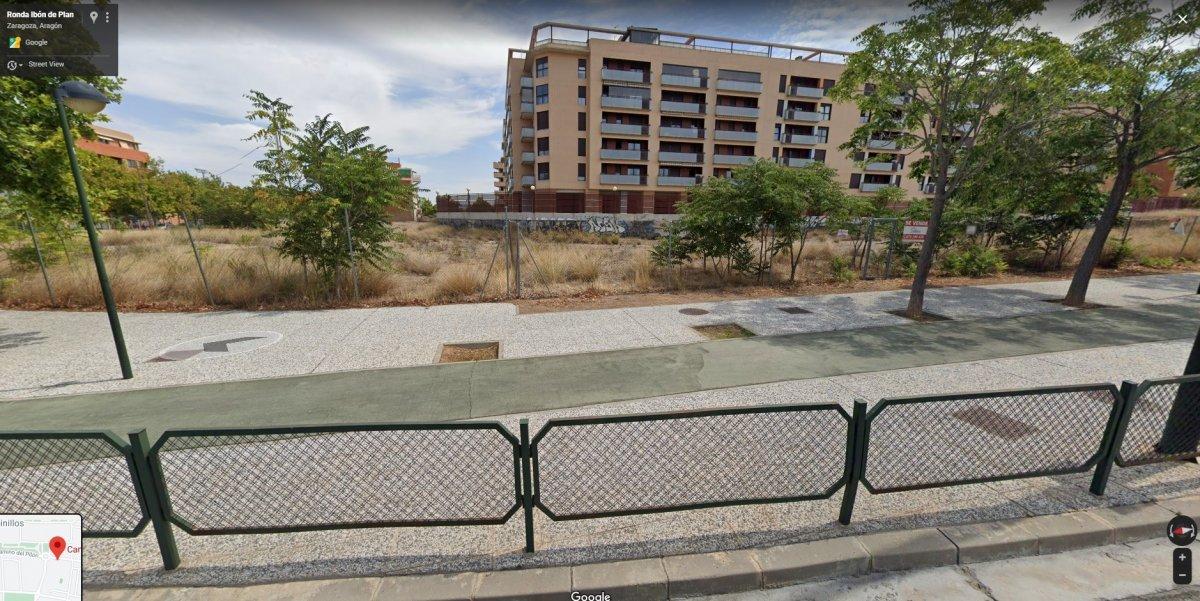 Parcela urbana en venta en Zaragoza