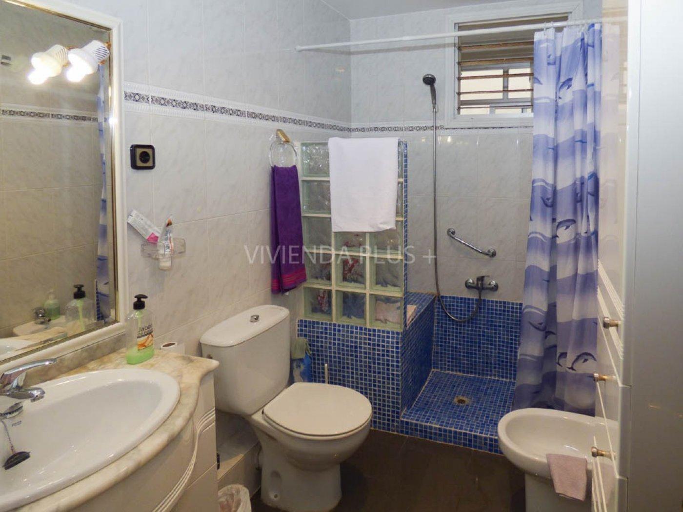 Piso de cuatro dormitorios en Poeta miguel hdez , con ascensor , ref. 7193A