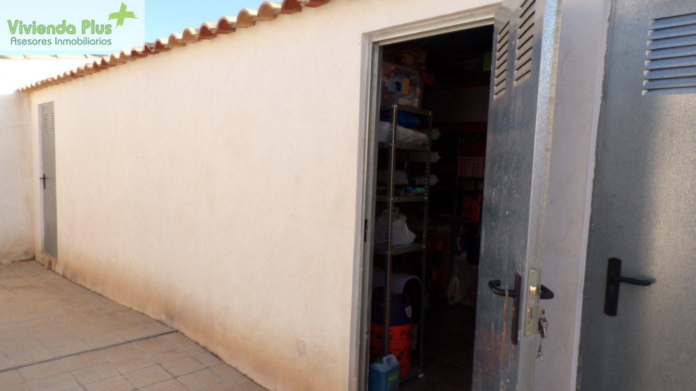 FANTASTICO PISO EN ZONA DE CAMPO DE FUTBOL CON PLAZA DE GARAJE Y TRASTERO