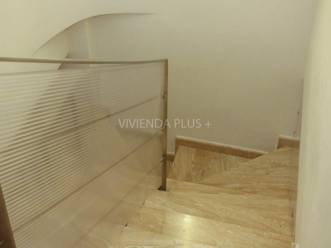 coqueto piso duplex  en altabix con vistas despejadas de 3 dormitorios listo para vivir