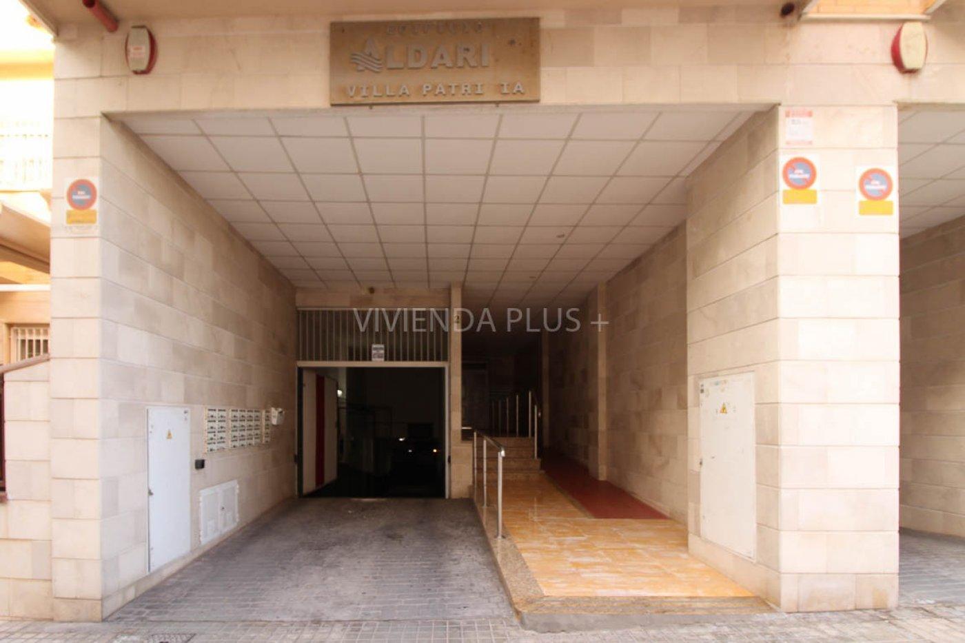 ALQUILER BUNGALOW DE 110m2 + 50 DE SOTANO, CON PLAZA DE APARCAMIENTO. INFORMESE DE CONDICIONES