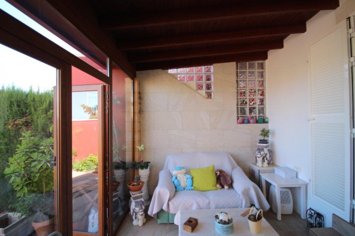 Planta baja para entrar a vivir con terraza delantera y trasera, sa torre - imagenInmueble5