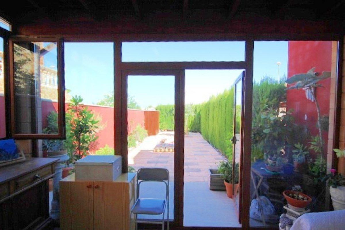 Planta baja para entrar a vivir con terraza delantera y trasera, sa torre - imagenInmueble6
