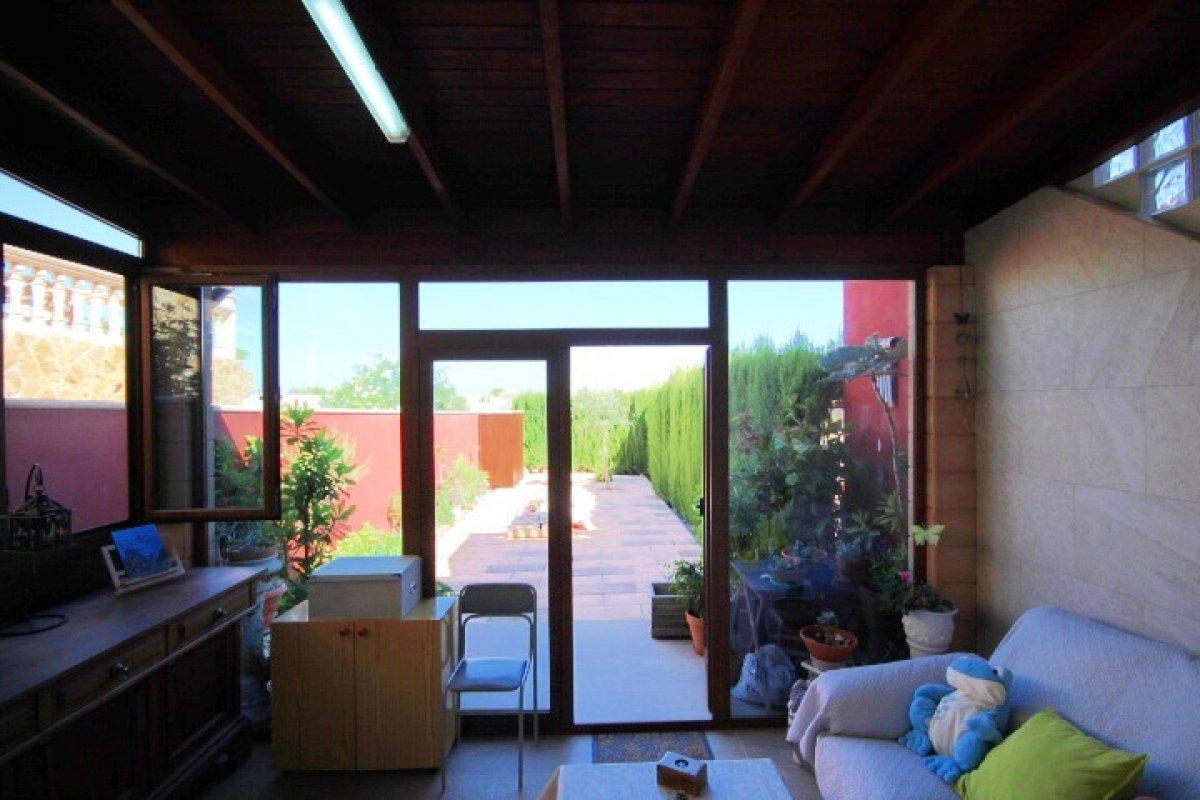Planta baja para entrar a vivir con terraza delantera y trasera, sa torre - imagenInmueble7