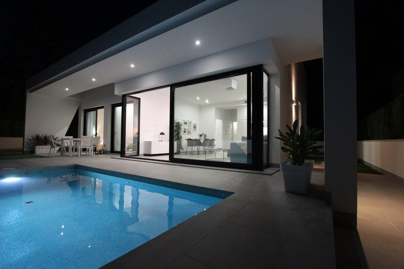 Detached properties with private pool on 300m. plots - Keysol Property S.L.