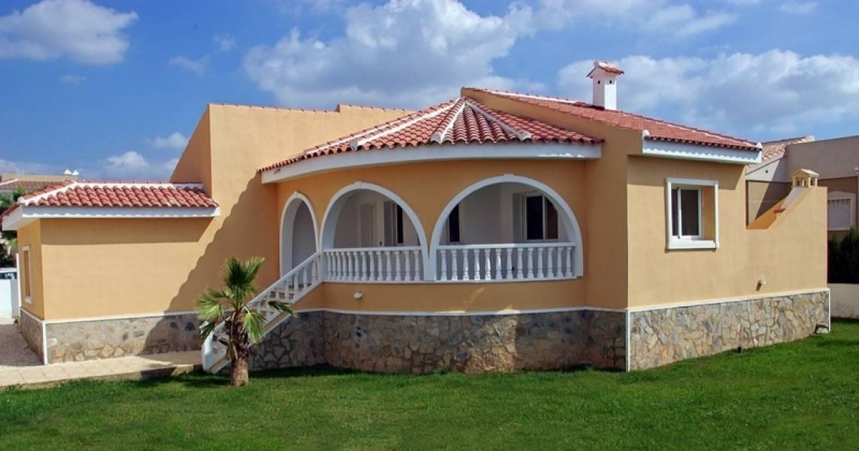 Villa con amplia parcela y piscina - Keysol Property S.L.