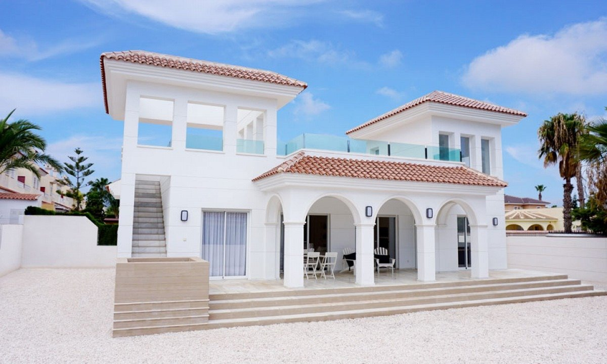 Magnificent villa with swimming pool - Keysol Property S.L.