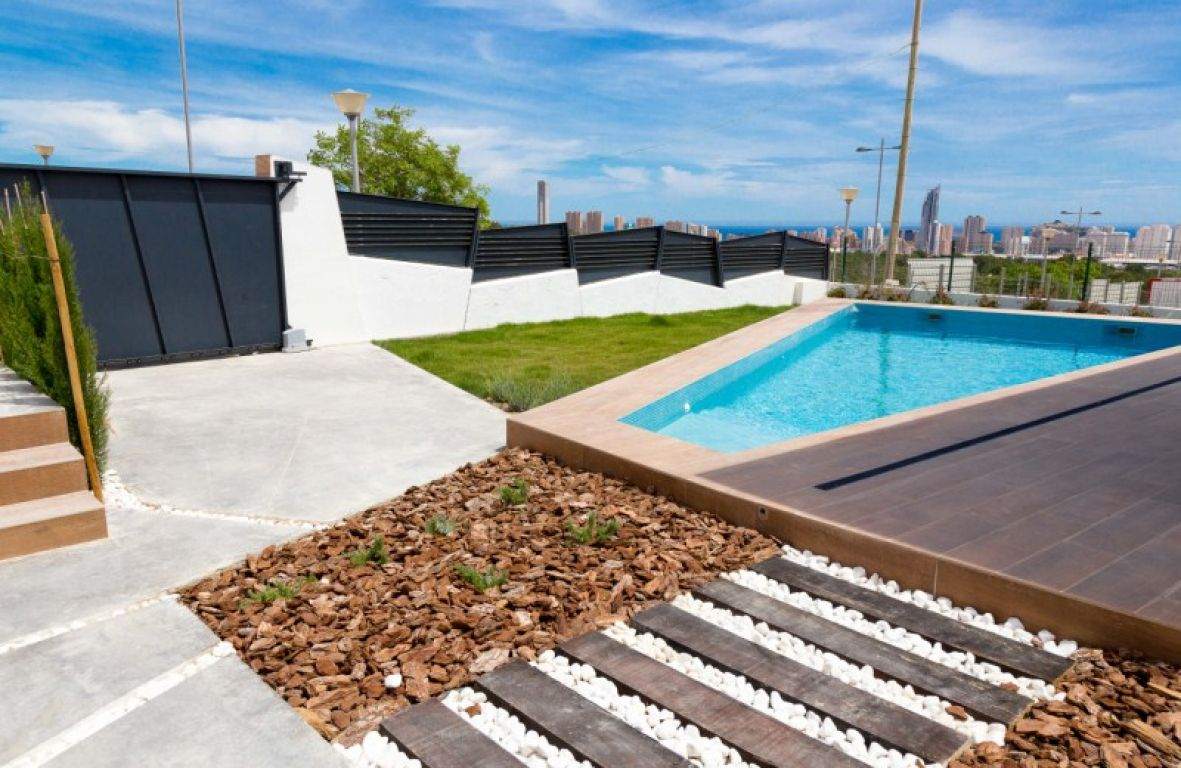 Luxury villas with pool and panoramic views of Benidorm - Keysol Property S.L.