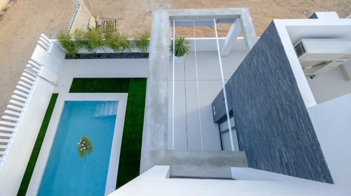Detached villas by the sea in a unique spot - Keysol Property S.L.