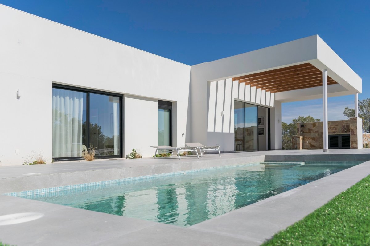 Spacious villa in private residential in Campoamor (Orihuela Costa) - Keysol Property S.L.