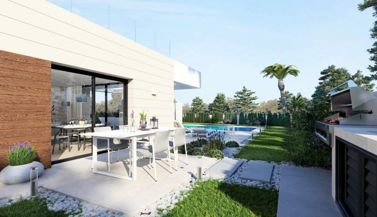 Amplia villa independiente con piscina en Los Montesinos - Keysol Property S.L.