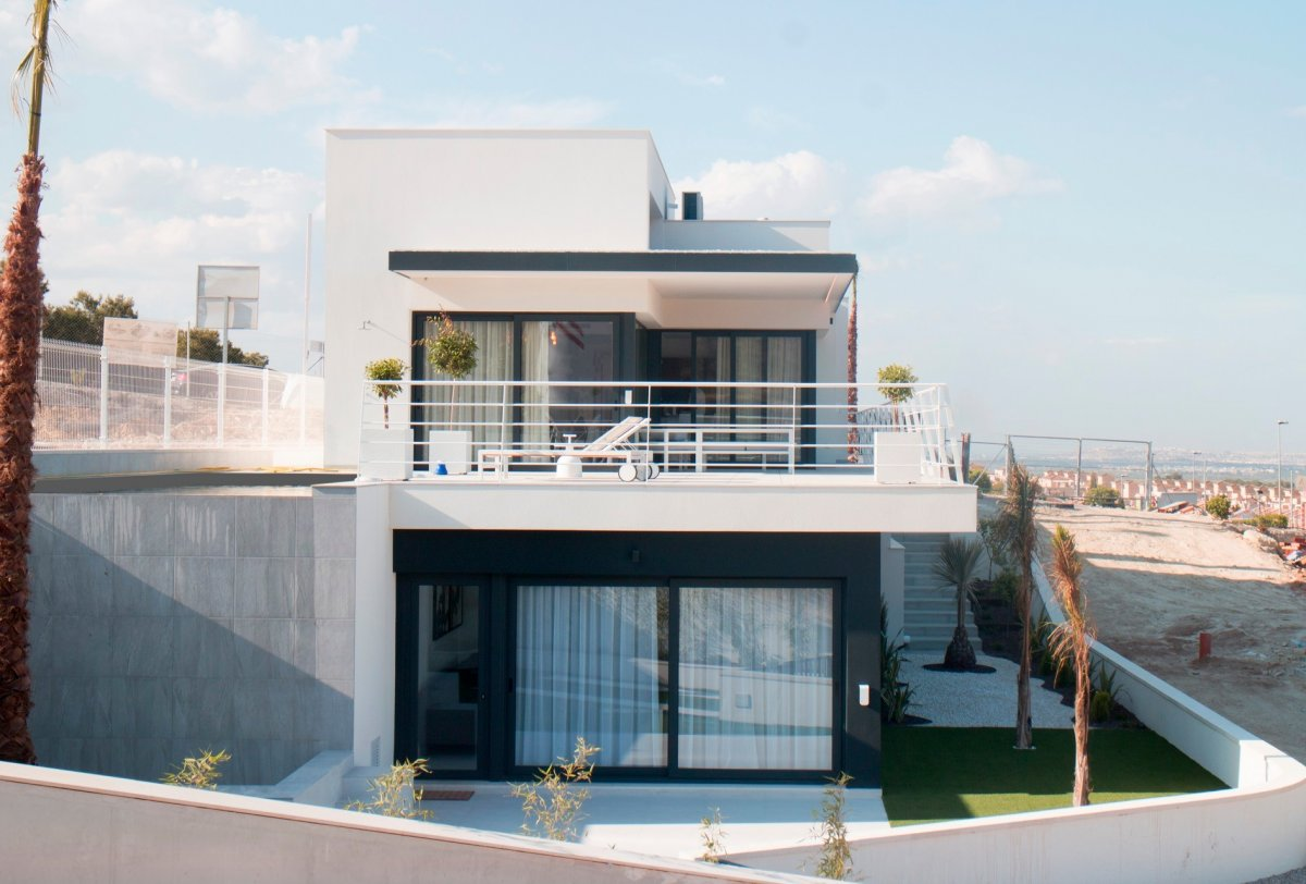 Modern villa with swimming pool in Villamartin, Orihuela Costa. - Keysol Property S.L.