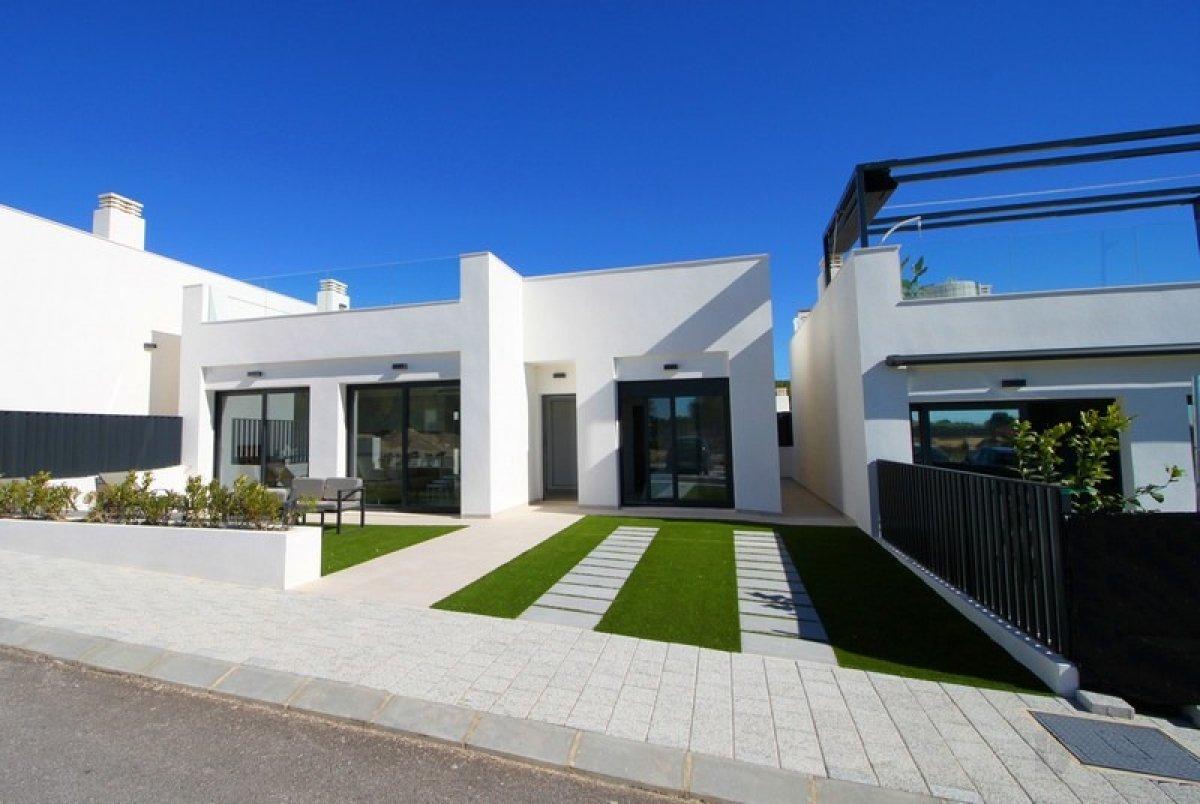 Villas junto a campo de golf en Pilar de la Horadada - Keysol Property S.L.