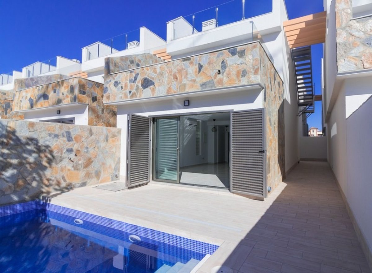 Detached villas  near the beach with private pool in Los Alcázares - Keysol Property S.L.