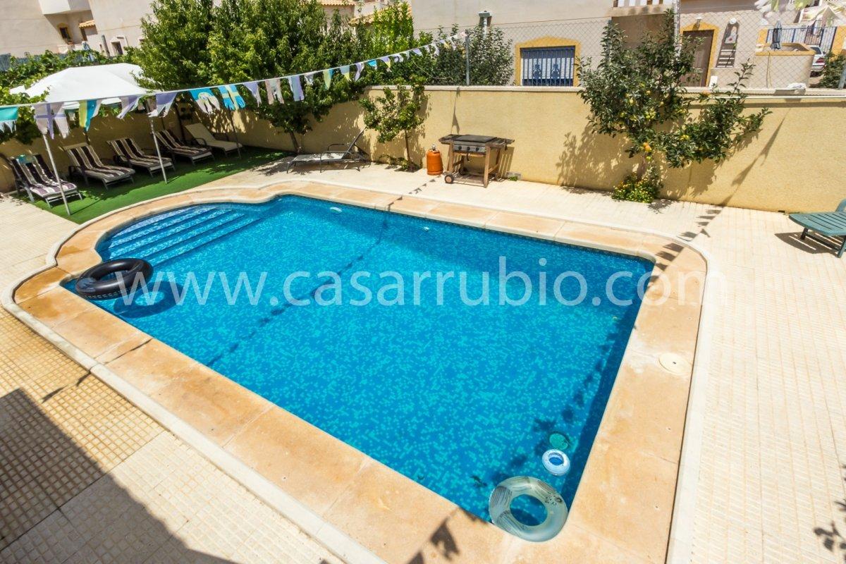 Estupenda casa con piscina en castalla internacional !! - imagenInmueble20