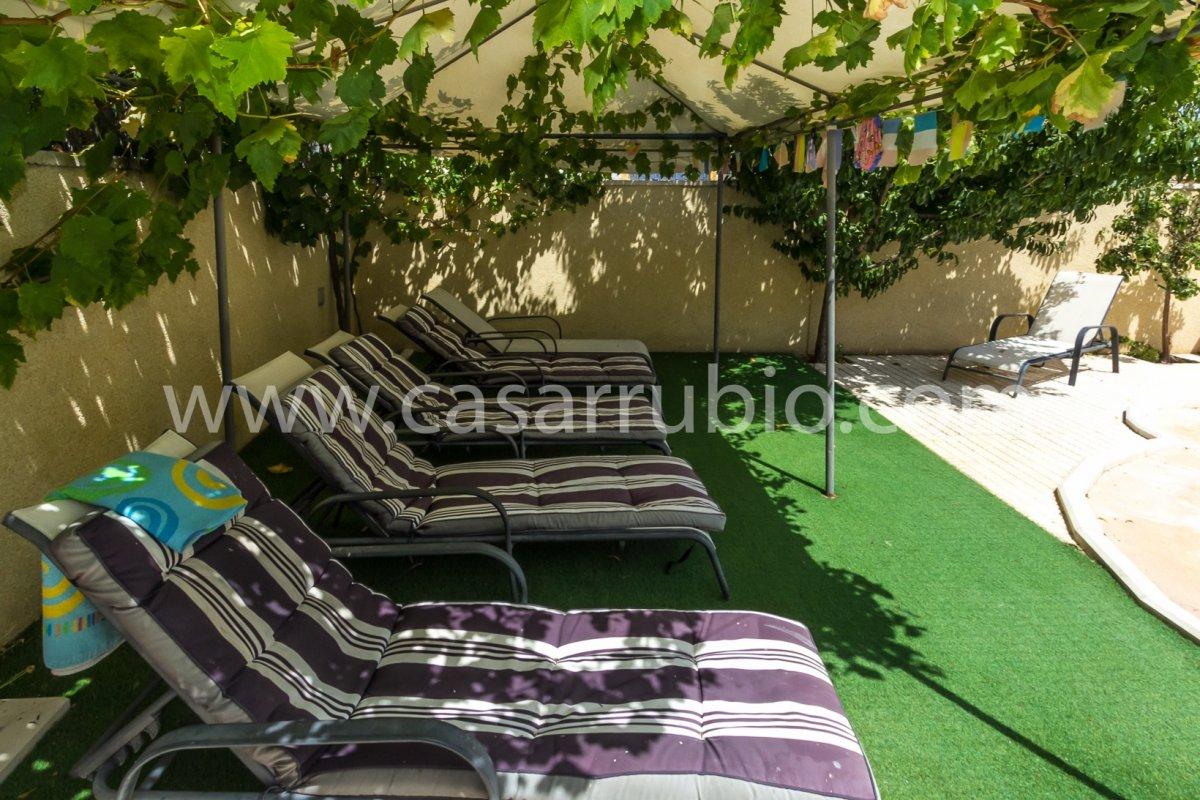 Estupenda casa con piscina en castalla internacional !! - imagenInmueble8